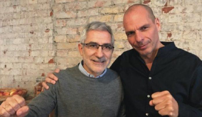 Gaspar Llamazares, excoordinador de IU y Yanis Varoufakis, exministro de Finanzas griego