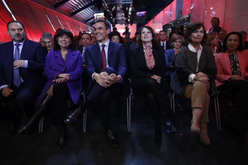 Carmena ganaría en Madrid y Gabilondo se haría con la Comunidad