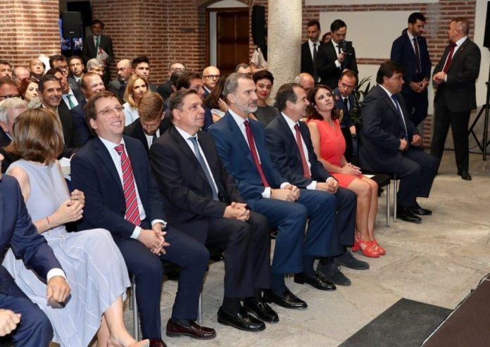 Almeida critica a Sánchez