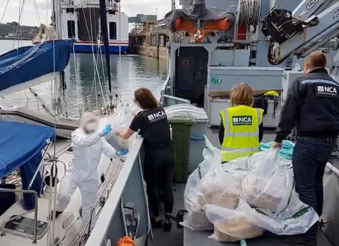 La Policía Nacional ha interceptado un velero con mil kilos de cocaína a bordo