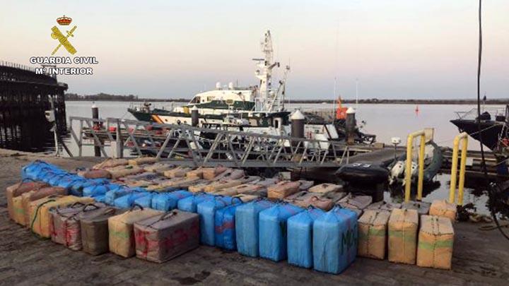 Más de una tonelada de hachís ha sido incautada por la Guardia Civil en los últimos cinco días