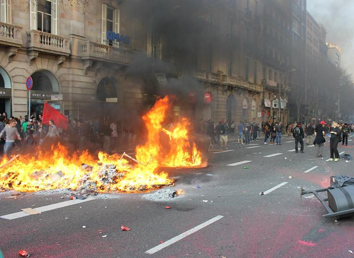 18 personas detenidas en los disturbios de este viernes en Lleida