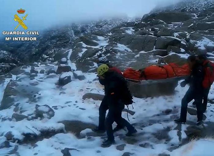 Evacuado el cuerpo sin vida de un senderista en Gredos por parte de la Guardia Civil