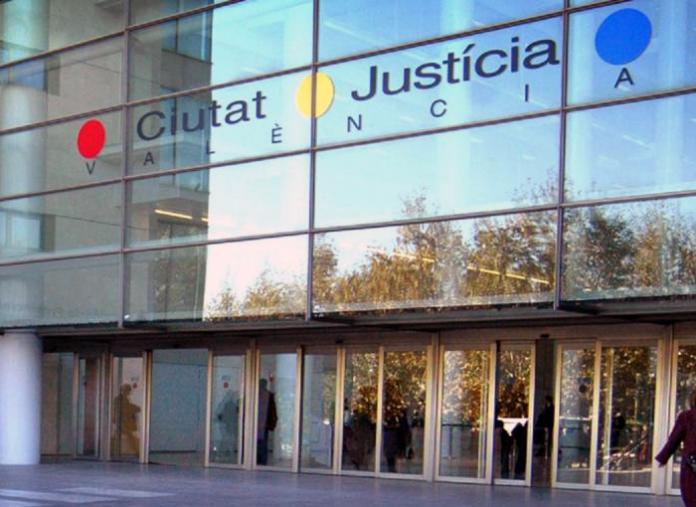 El ex marido de Mónica Oltra ha sido condenado a cinco años de prisión por abuso sexual