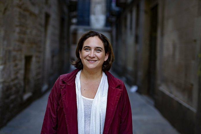 La foto de Ada Colau por la que hubieran crucificado a Díaz Ayuso