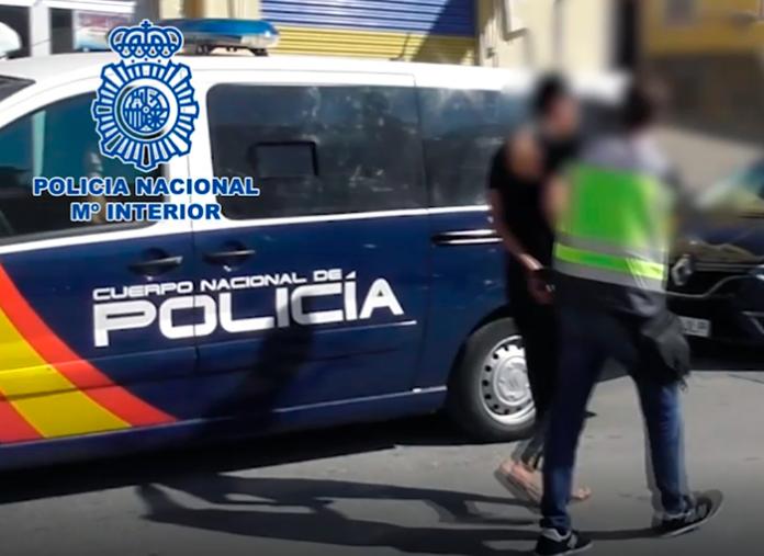 La Policía Nacional detiene en Tenerife a un fugitivo que asesinó a dos policías en Reino Unido
