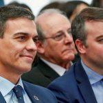 El Gobierno inicia una purga interna de cargos económicos para resucitar la imagen del PSOE