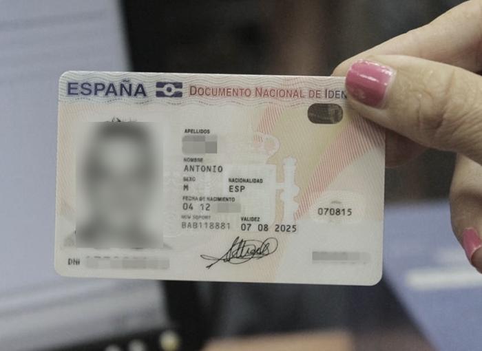 Una mujer de Madrid, juzgada por falsificar el DNI de un fallecido y cobrar su pensión