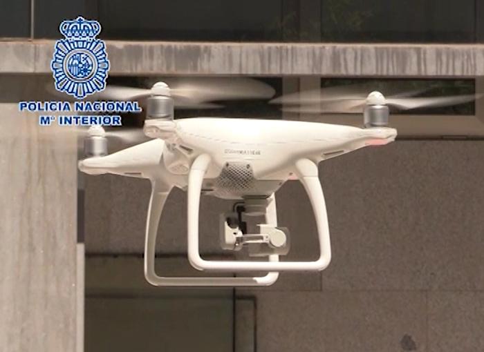 La Policía Nacional neutraliza cada día tres vuelos de drones no autorizados en Madrid