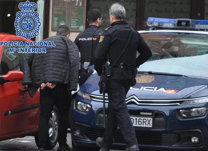 La Policía Nacional libera a cuatro mujeres que eran víctimas de explotación sexual