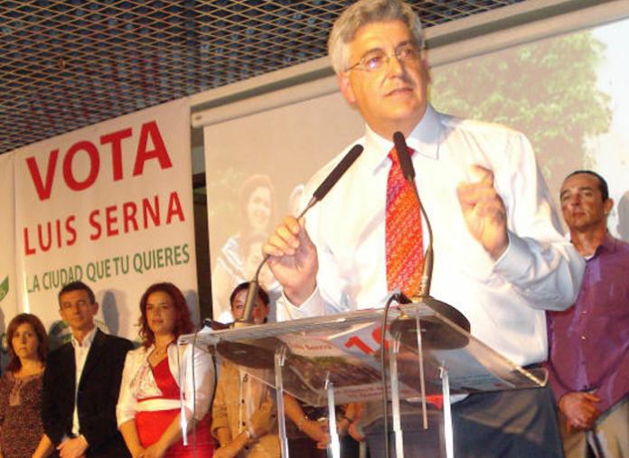 El exalcalde socialista de Calpe, Luis Serna, se enfrenta a una petición de ocho años de cárcel por pornografía infantil