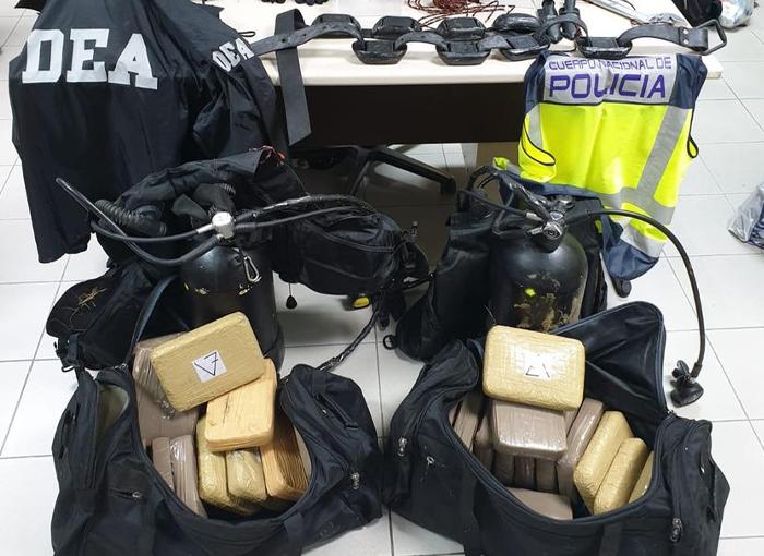 Detenidos dos narcobuzos que introducían grandes cantidades de cocaína