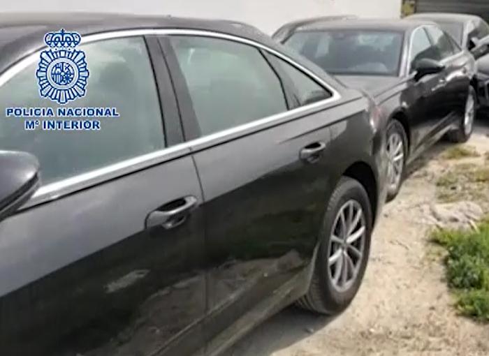 La Policía Nacional desmantela una organización criminal especializada en blanquear vehículos de lujo