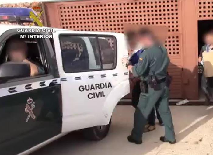 La Guardia Civil detiene en el mediterráneo a 30 personas en una operación antidroga