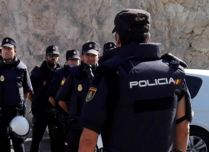 La Policía detiene un grupo criminal dedicado a estafar a empresas y financieras