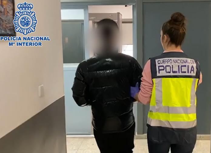 Un hombre es detenido en Madrid por estafar en la venta de mascarillas quirúrgicas
