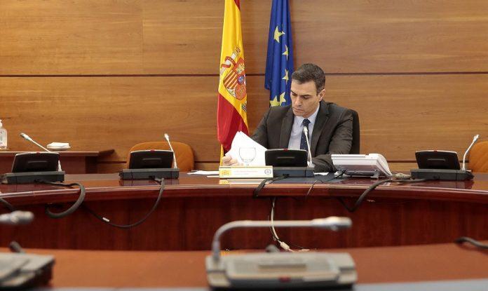 Sánchez rechaza haber actuado tarde y dice que Sanidad alertó a las CCAA del peligro en las residencias