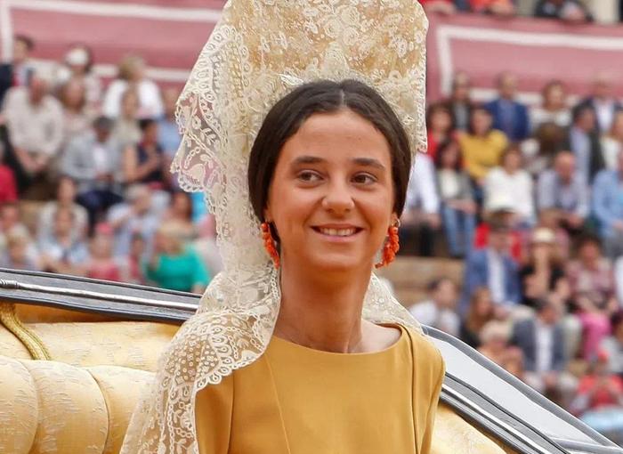 Elena de Borbón tiene una discusión con su hija por culpa de su ropa interior.