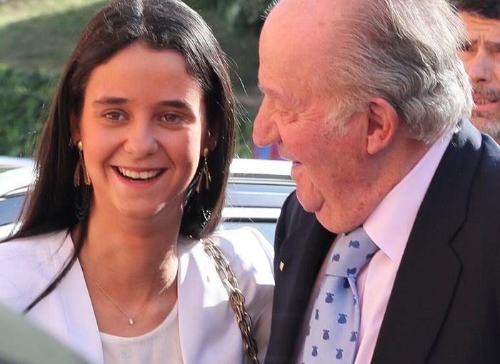 Juan Carlos I con su nieta.