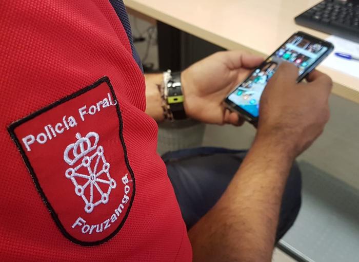 Alerta por una nueva campaña de estafas con sextorsión en Navarra