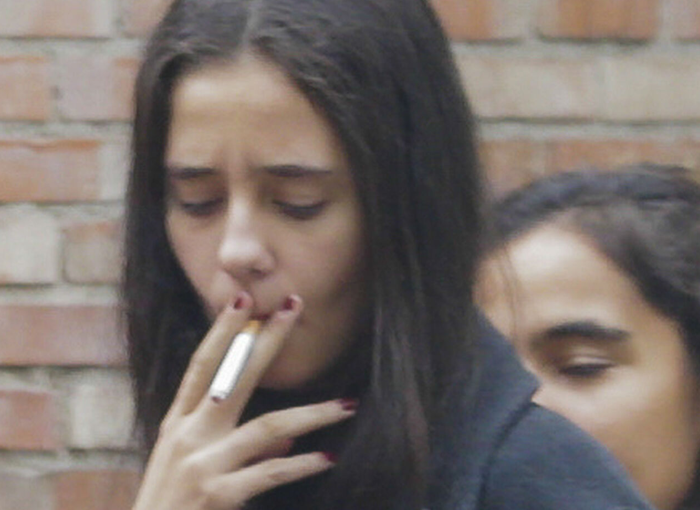 Victoria Federica fumando.