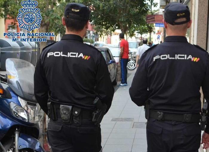 Detenido por exigir un test de coronavirus y morder a un policía en Lanzarote