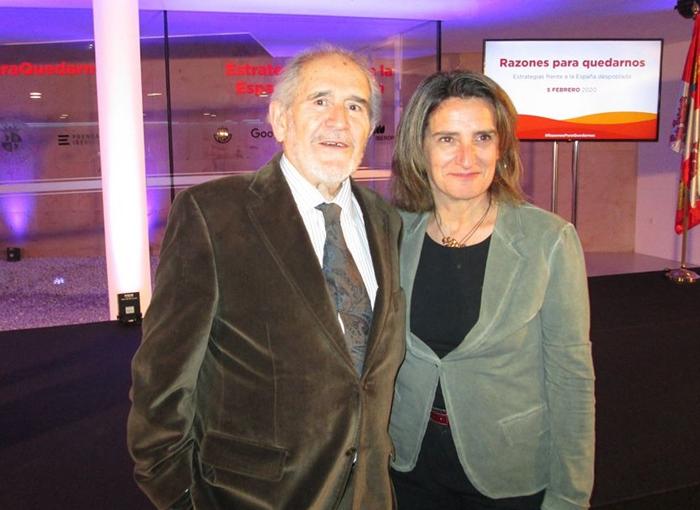 Teresa Ribera trabaja en el Plan para desescalar el confinamiento en España