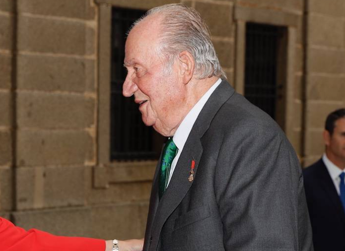 El rey Juan Carlos I y sus hijos ilegítimos.