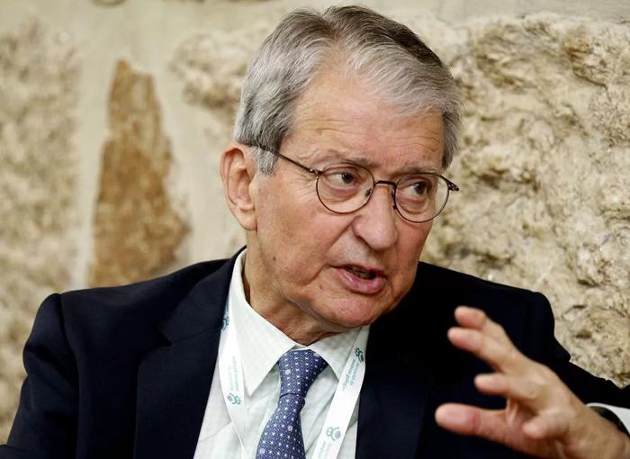 Miguel Cabanela, uno de los médicos de los más ricos y famosos.