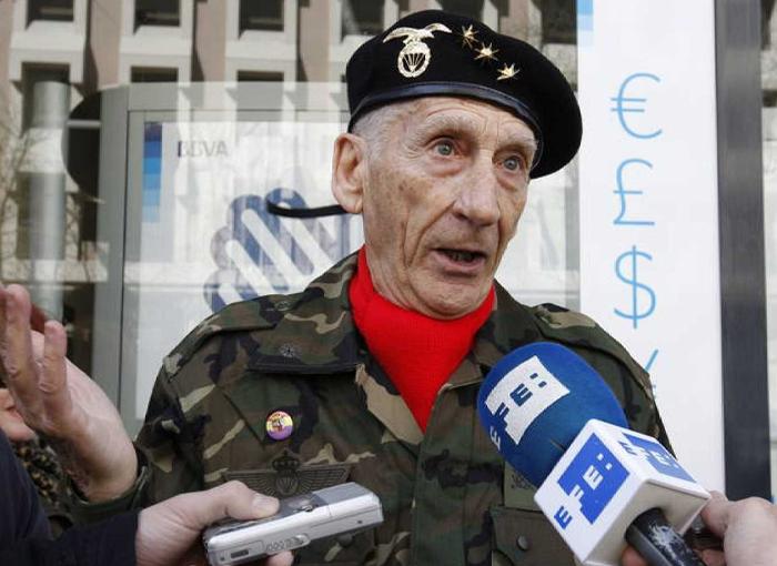 El coronel Amadeo Martínez.