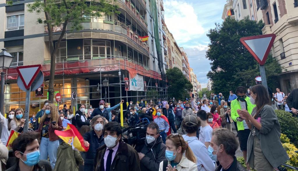 """Podemos estalla contra la imprudente """"revolución de los Cayetanos"""""""