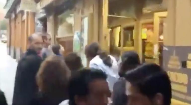 """""""¡Coleta de mierda!"""": El lamentable vídeo de un hombre que insulta a Iglesias en plena calle"""