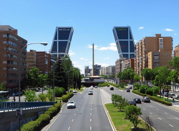 Running de asfalto por La Castellana y la Puerta de Alcalá.