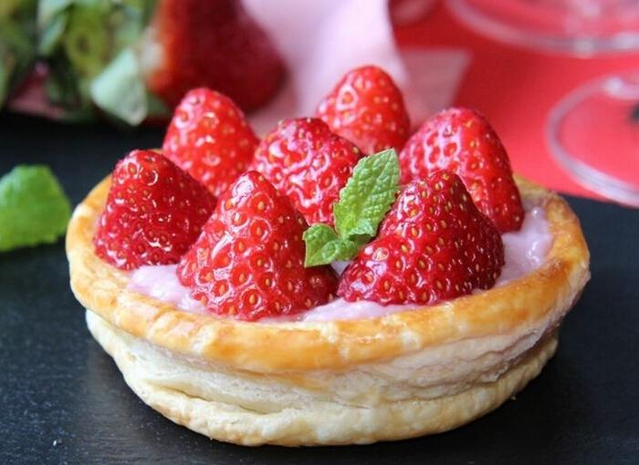 Tartaletas de hojaldre con fresas