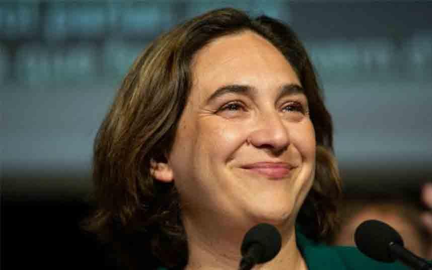 Colau asegura que las elecciones a la Generalitat no deberían tardar