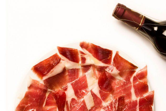 Así es la dieta del vino y jamón recomendada por médicos