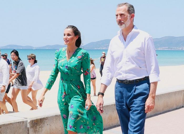LETIZIA DA UN 'CORTE' A FELIPE VI Y MALLORCA