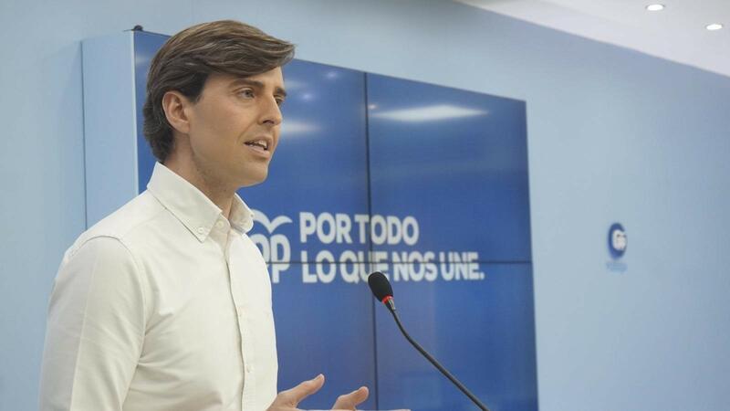 """El PP urge a los barones del PSOE a """"censurar la deriva"""" de Iglesias"""