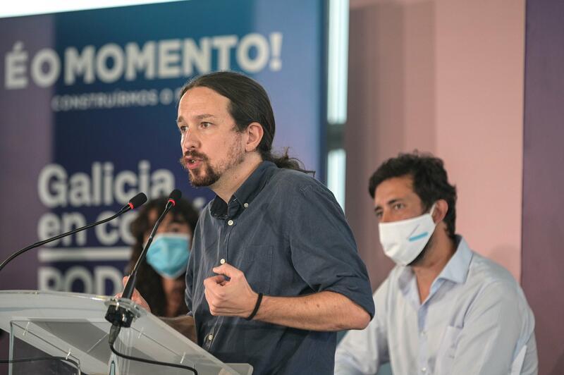 """Iglesias, """"muy contento"""" de compartir Gobierno con el PSOE"""