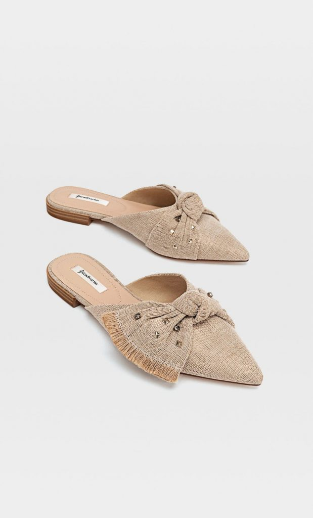 Zapatos planos destalonados detalle lazo tachitas