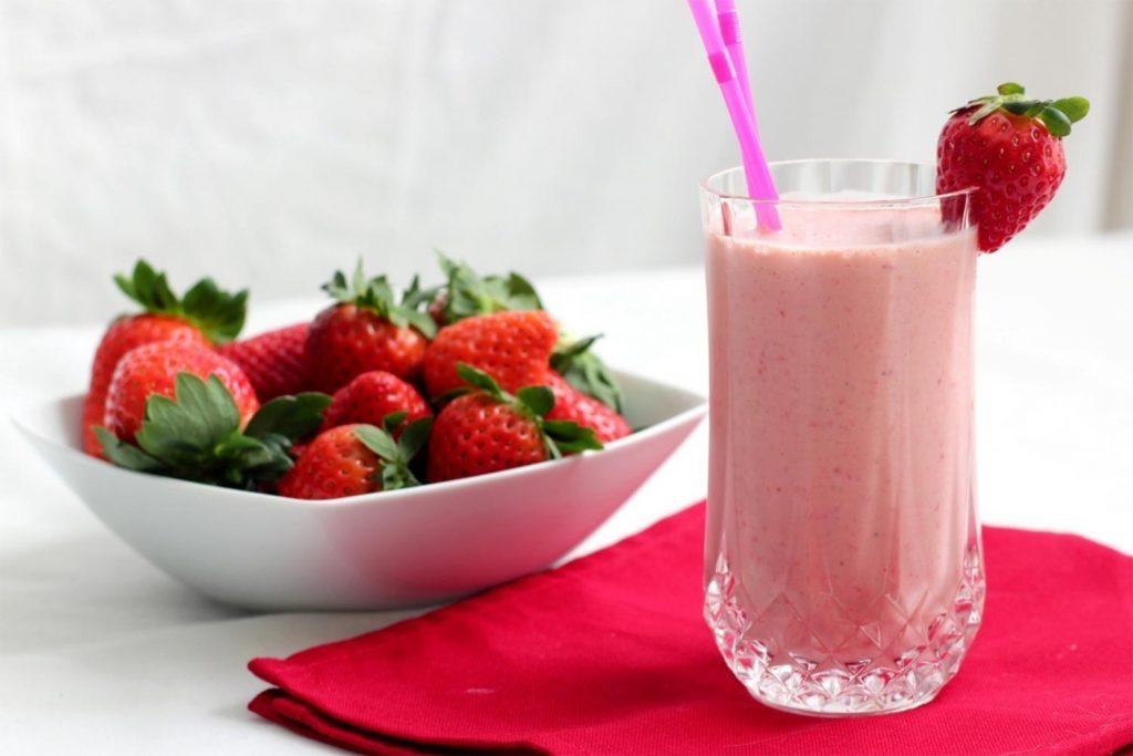 Batido con encantos de fresas y jengibre