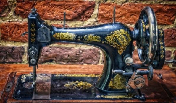 ¡Cómo no aburrirte confinado con una máquina de coser!