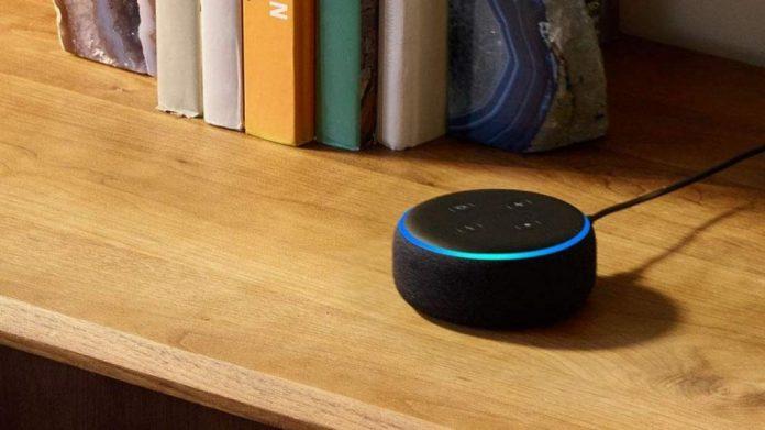 Así puedes desactivar el micrófono de Alexa, Google Home o Apple HomePod para que no te espíen