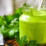 La famosa salsa verde: cómo se hace y con qué platos combina mejor