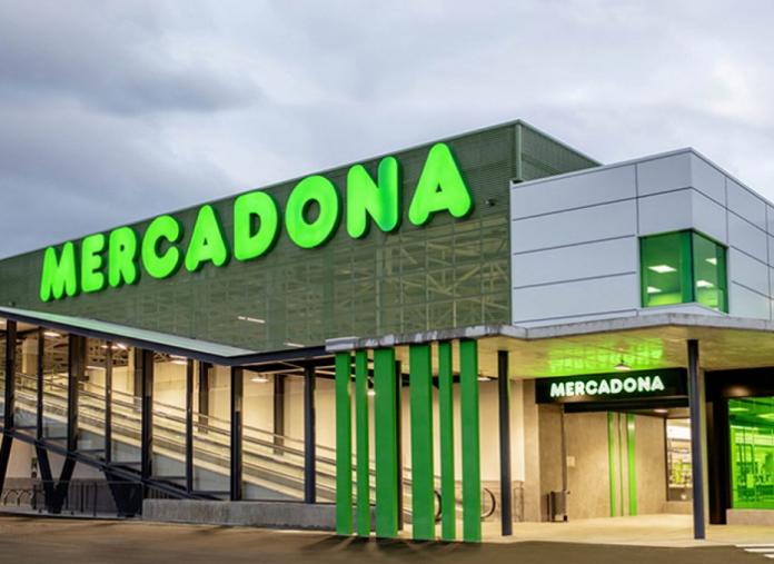 Ni Mercadona, ni Carrefour ni Lidl, este es el supermercado que más paga a sus trabajadores