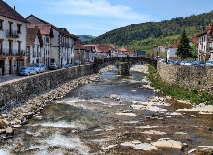 Pueblos con encanto de España para visitar este otoño