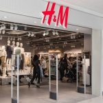 Vestidos de H&M que puedes llevar con zapatillas Nike o Adidas