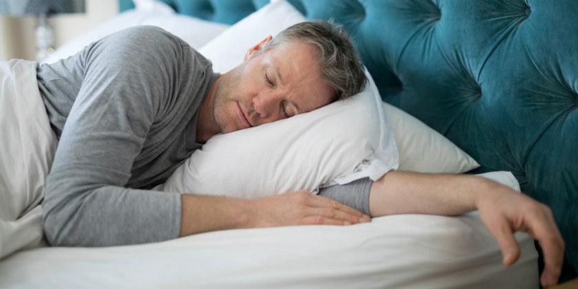 hombres dormir sexo