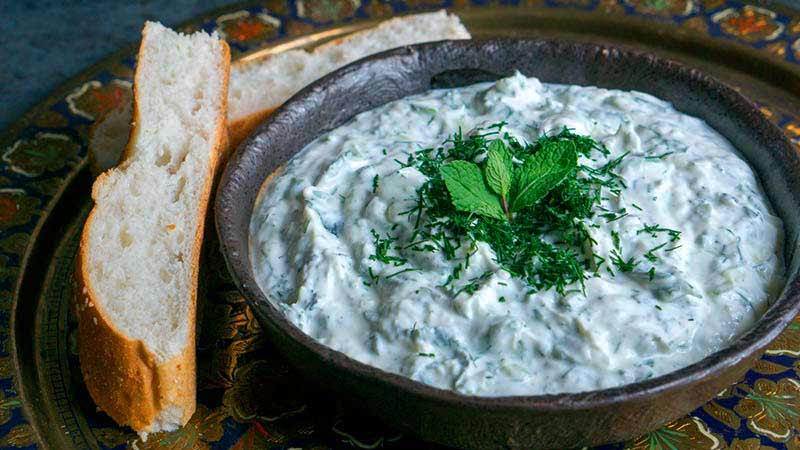 tzatziki-crema-de-yogur