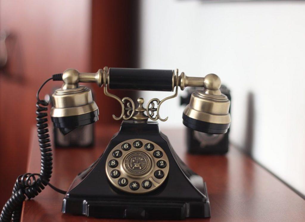 EL INVENTO DEL TELÉFONO